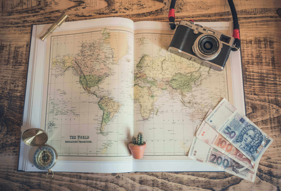 5 Easy Ways to Save and Make Money Before Going Abroad